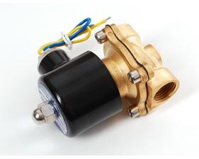 Brass Liquid Solenoid Valve - 12V - 1/2 NPT