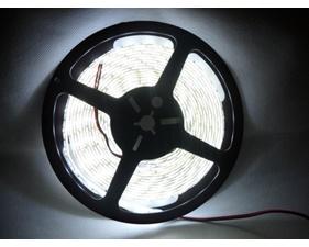 Kallvit LED-slinga 12V, väderskyddad 60 LED/m (1 m)
